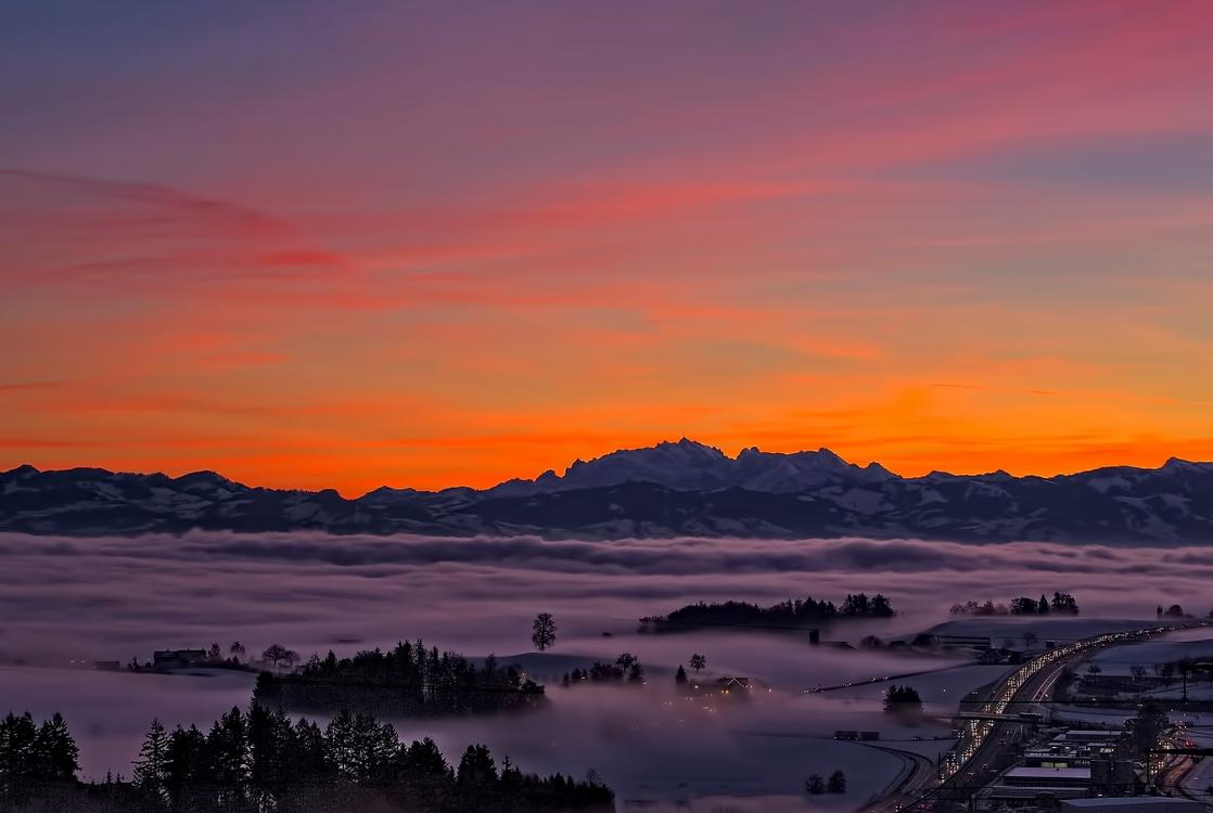 Atmosphere,Evening,Mountain Range