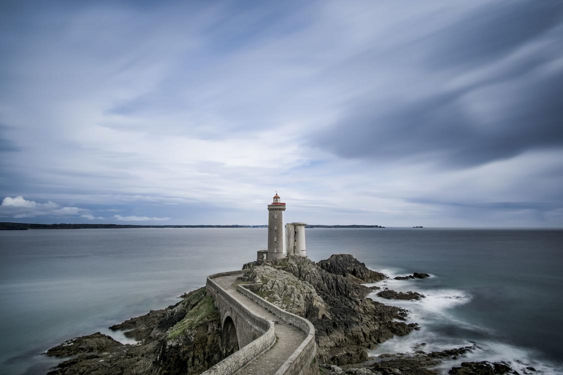 Lighthouse,Horizon,Sky