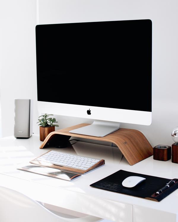 Computer Monitor,Desktop Computer,Angle