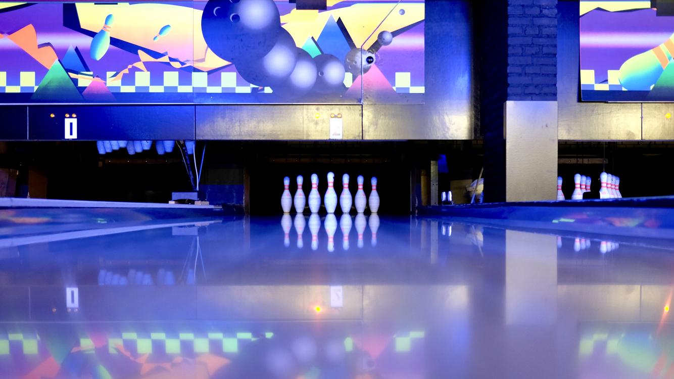 Ten Pin Bowling,Sport Venue,Recreation Room
