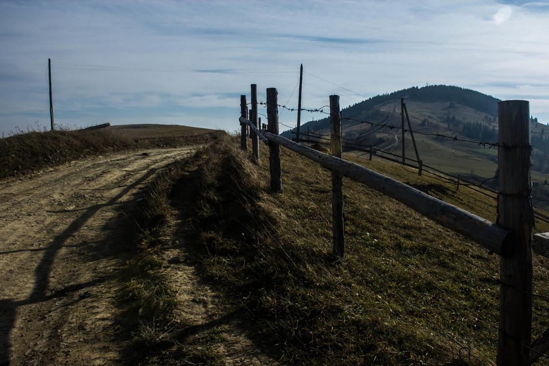 Mountain,Fence,Field