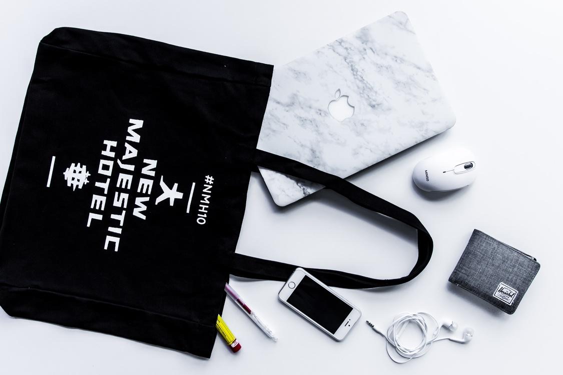 Fashion Accessory,Brand,Macbook Pro