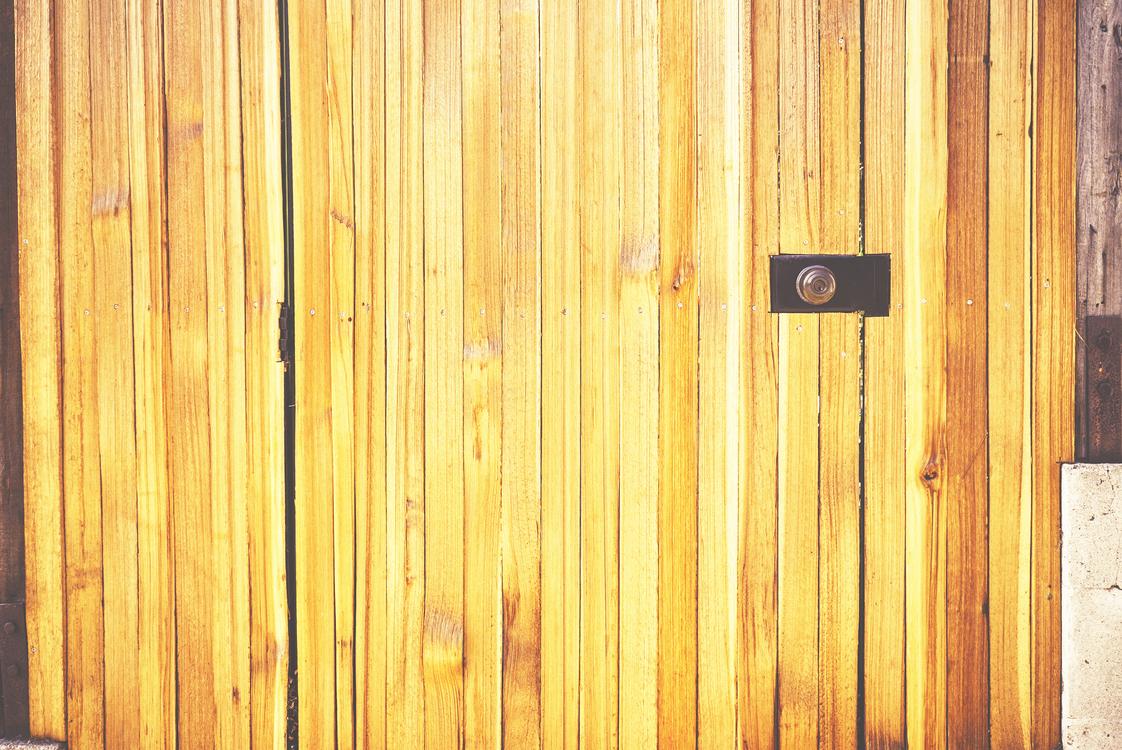 Line,Door,Flooring