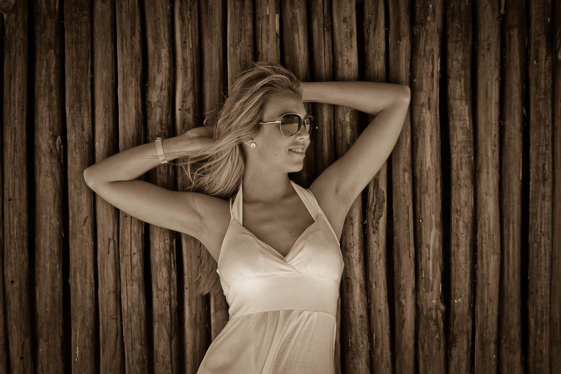 Flash Photography,Monochrome Photography,Back