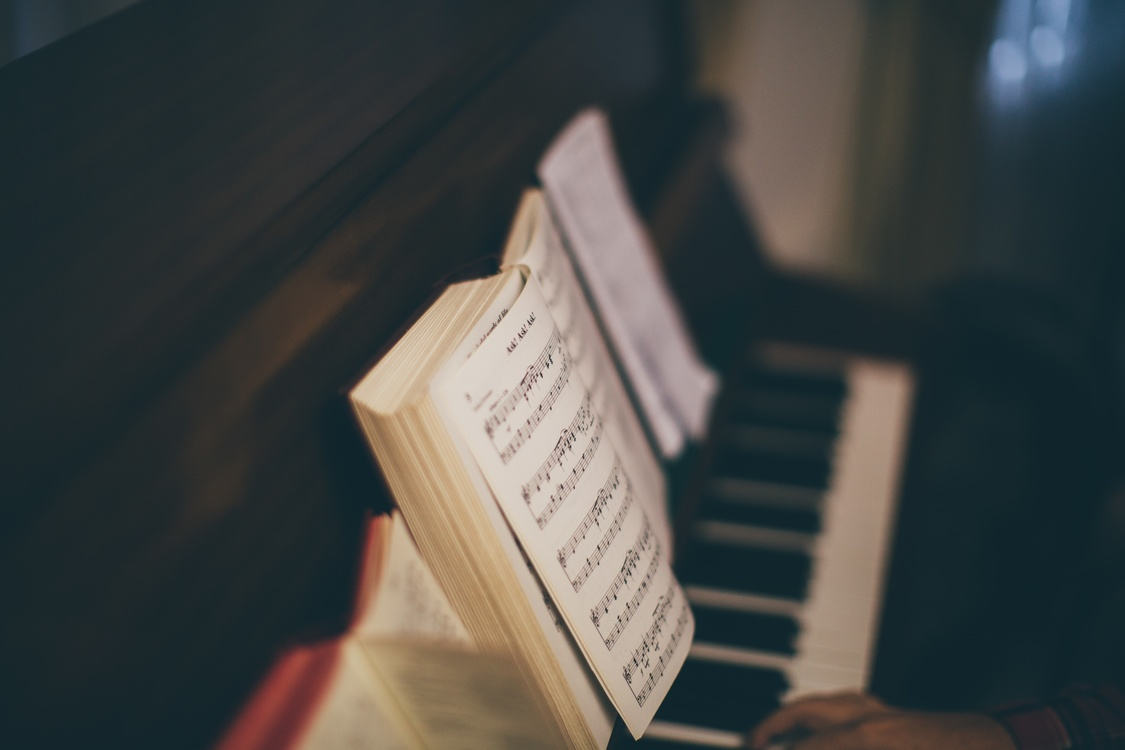 Electronic Device,Book,Musical Keyboard