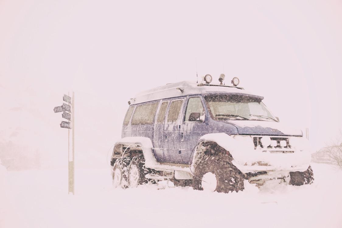 Automotive Exterior,Winter,Blizzard