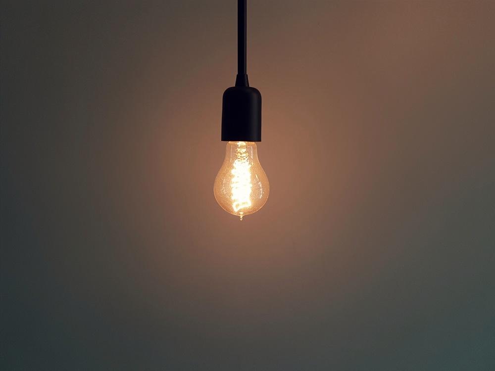 Light,Sky,Lighting Accessory