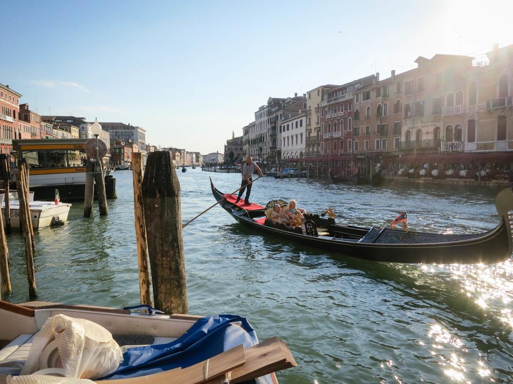 Canal,Watercraft Rowing,Watercraft