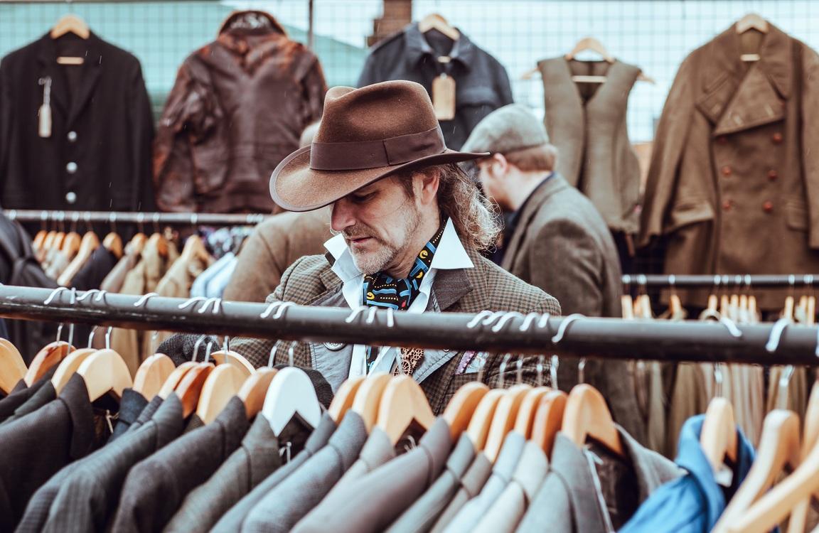 Fashion,Clothing,Retail