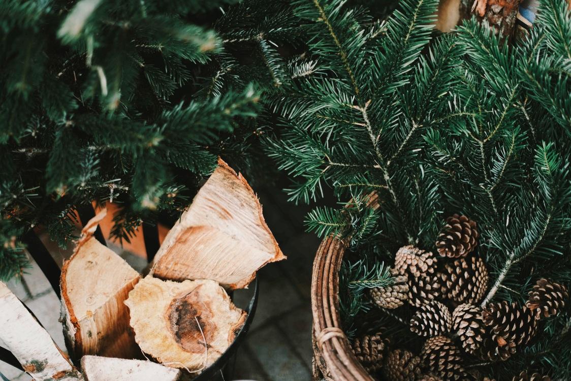 christmas and holiday season christmas music christmas tree christmas dinner - Christmas Music Free