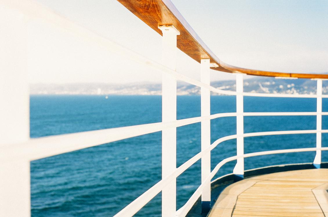Blue,Horizon,Deck