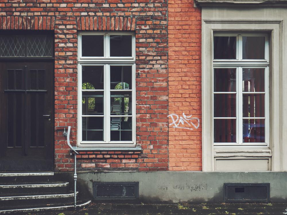 Sash Window,Brickwork,Door