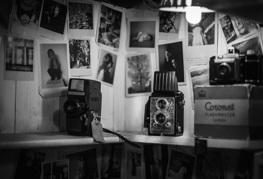 Studio,Monochrome Photography,Electronic Device