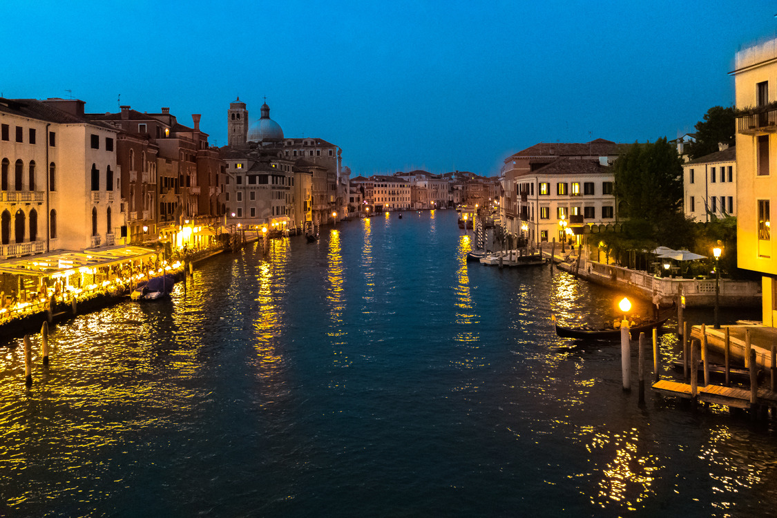 Canal,City,Evening
