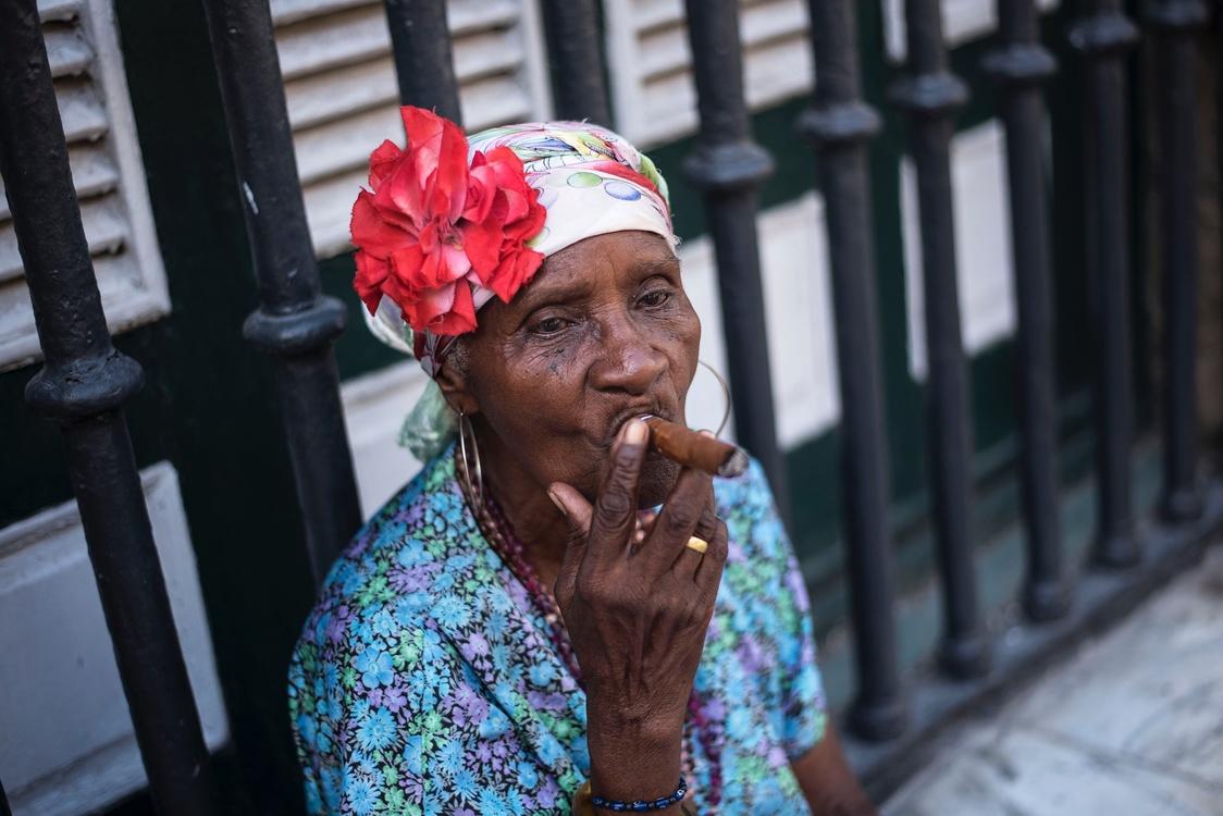 Tradition,Headgear,Tobacco