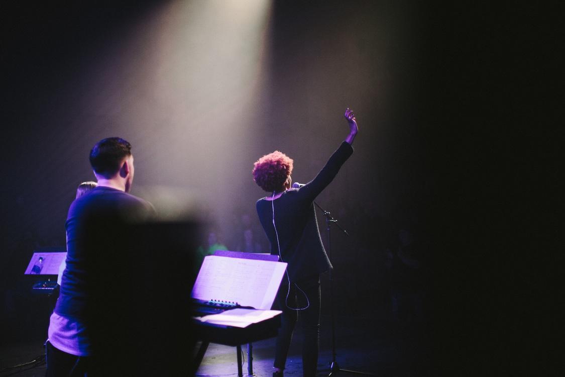 Sound,Darkness,Performing Arts