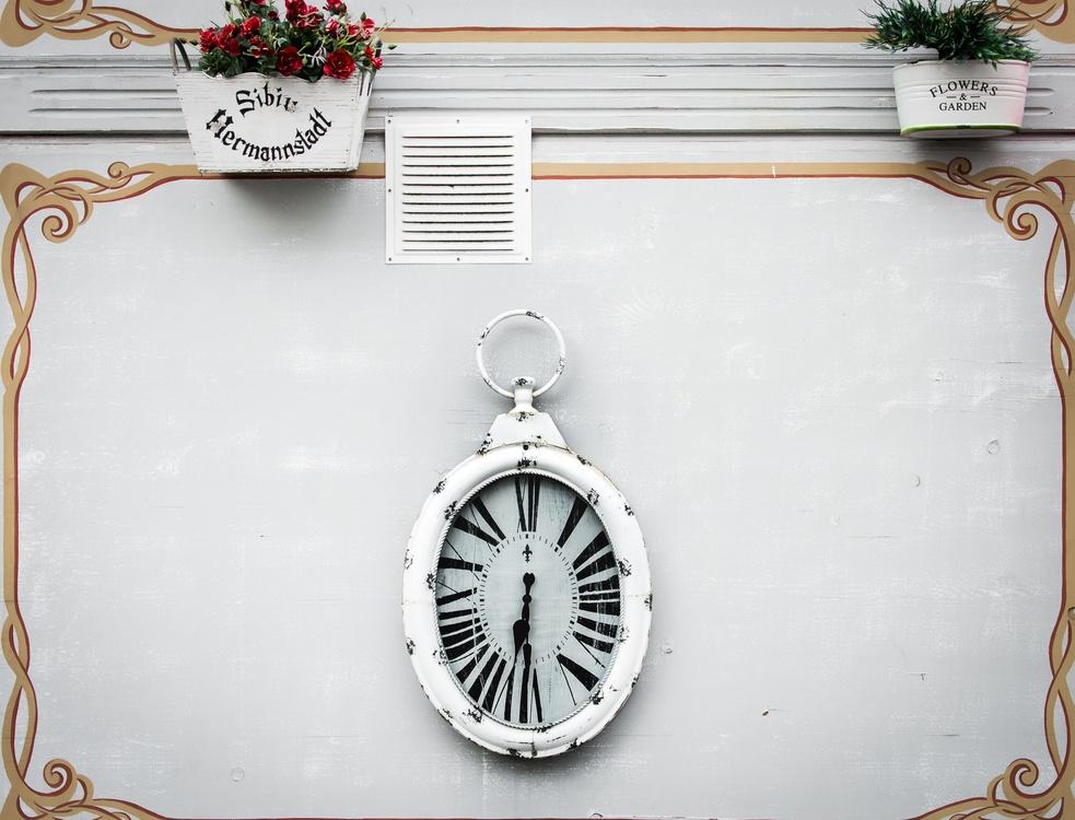 Chain,Jewellery,Clock