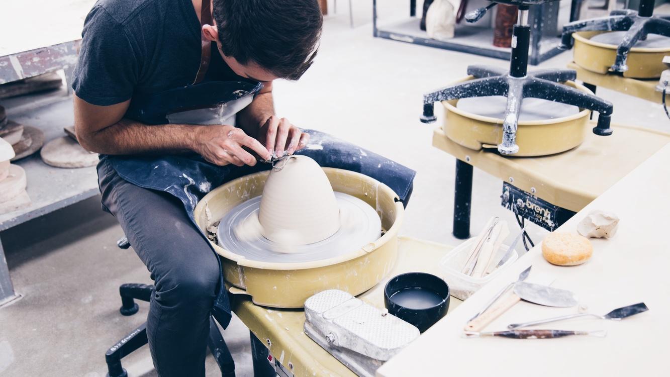 Pottery,Table,Ceramic