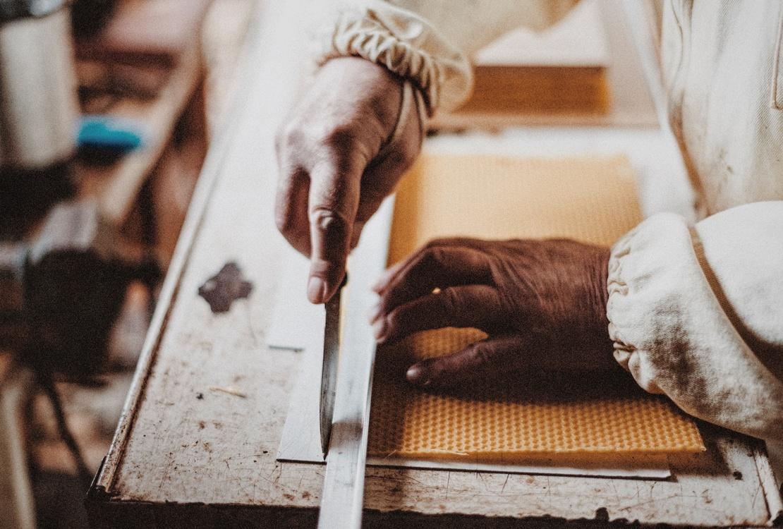 Material,Artisan,Beekeeper