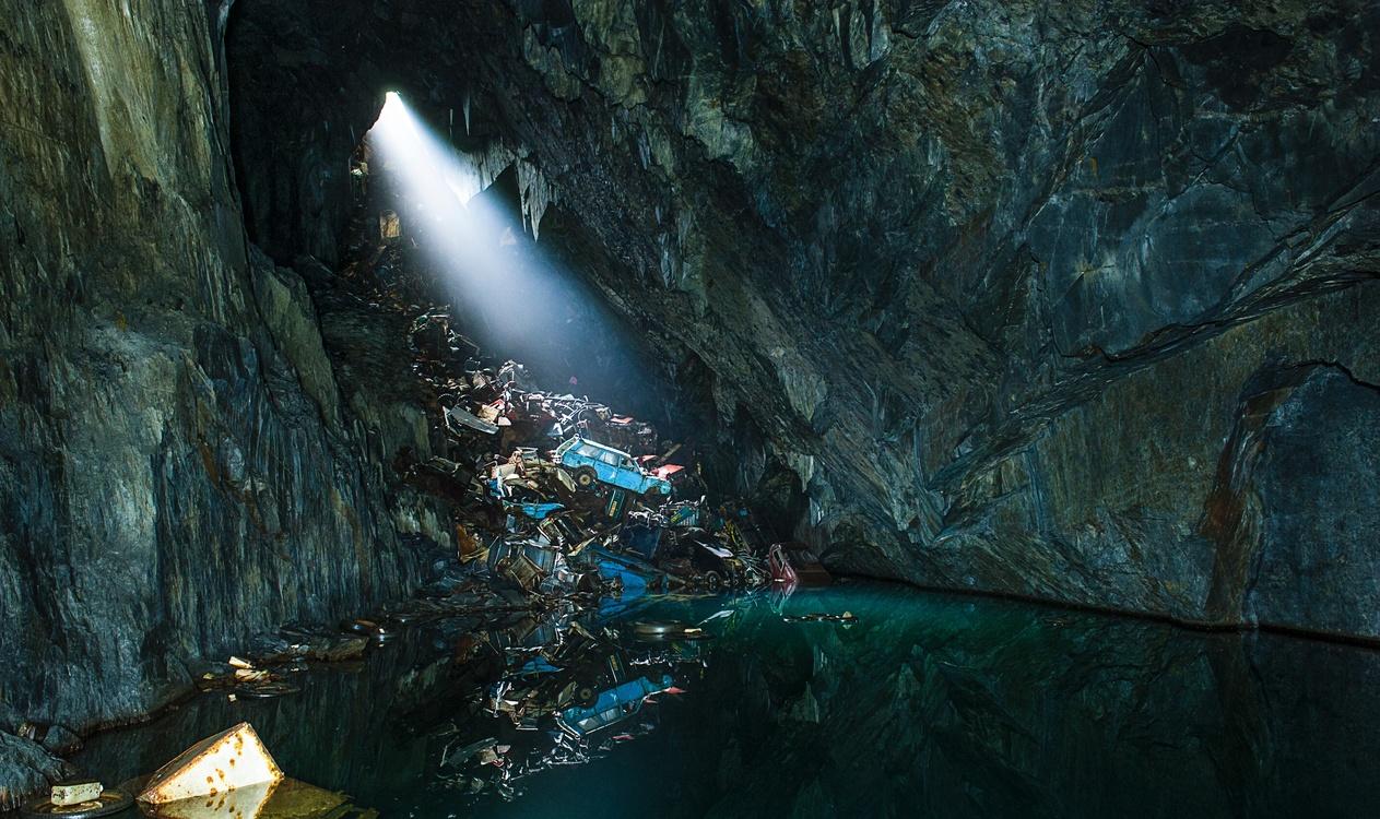 Screenshot,Cave,Water