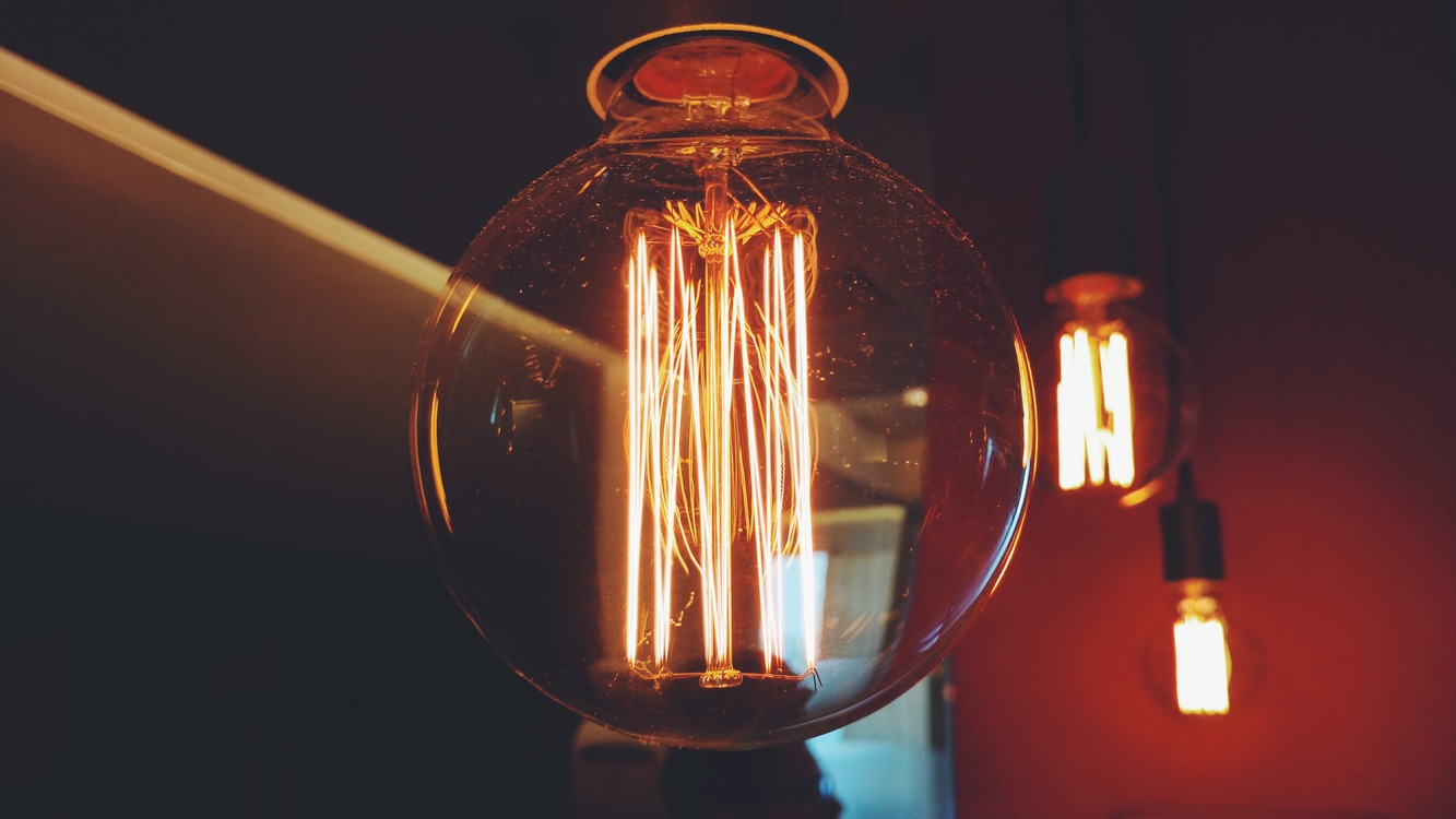 Darkness,Glass Bottle,Light