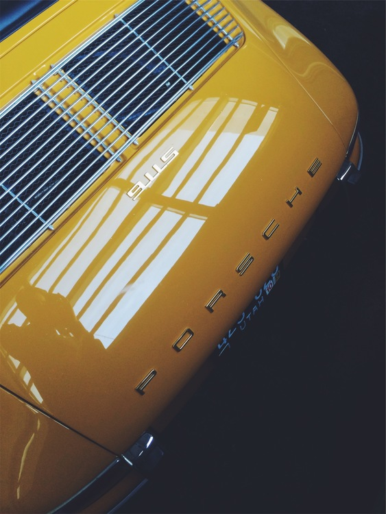 Automotive Exterior,Yellow,Daylighting