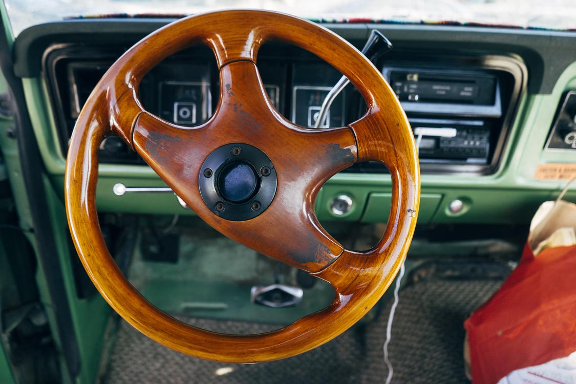 Wheel,Automotive Exterior,Classic