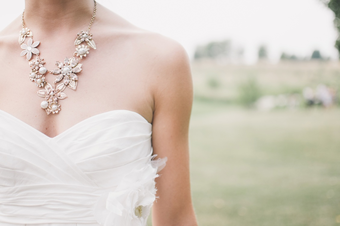 Gown,Jewellery,Hair Accessory