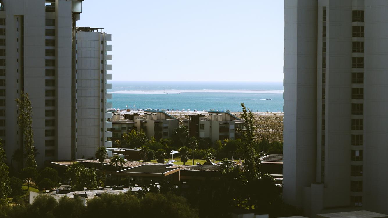 Estate,Metropolitan Area,Sea