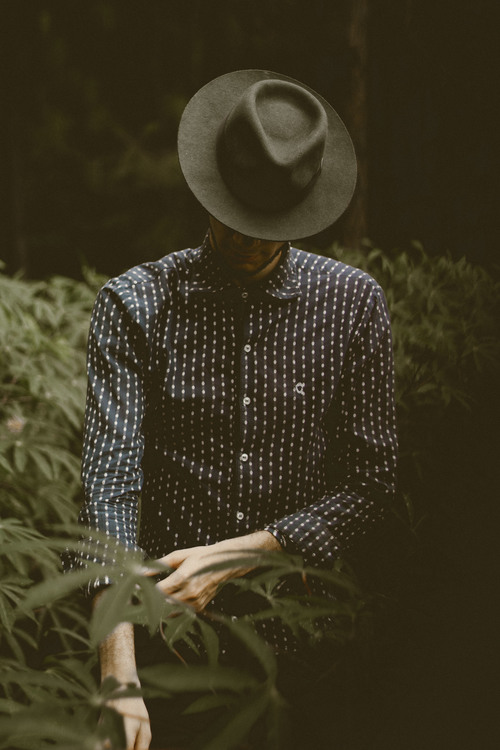 Outerwear,Sleeve,Grass