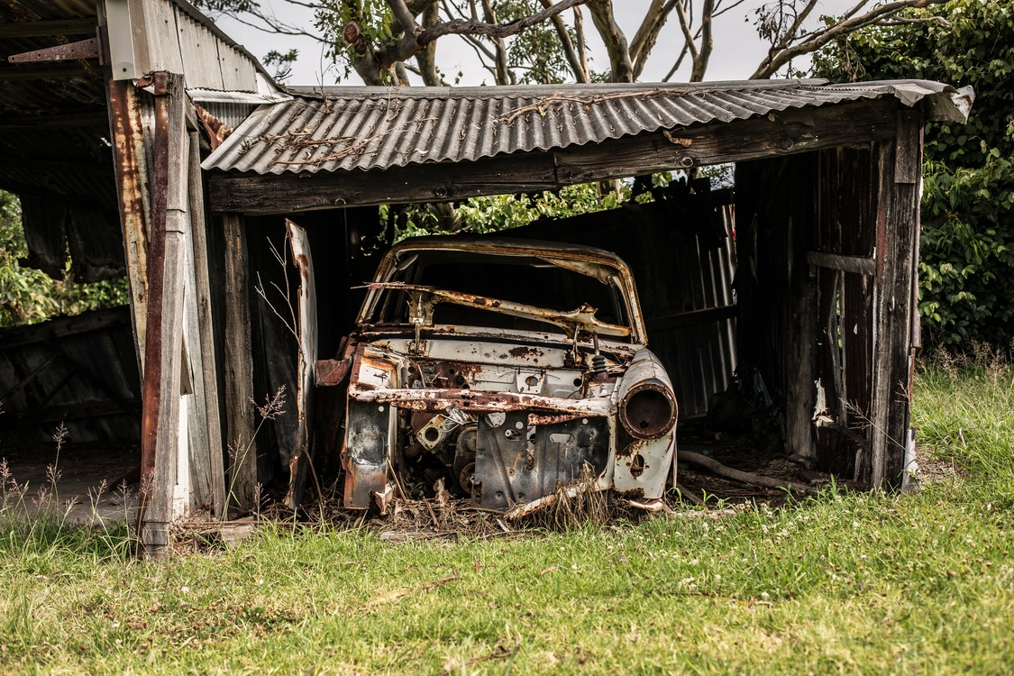 Family Car,Shed,Vintage Car