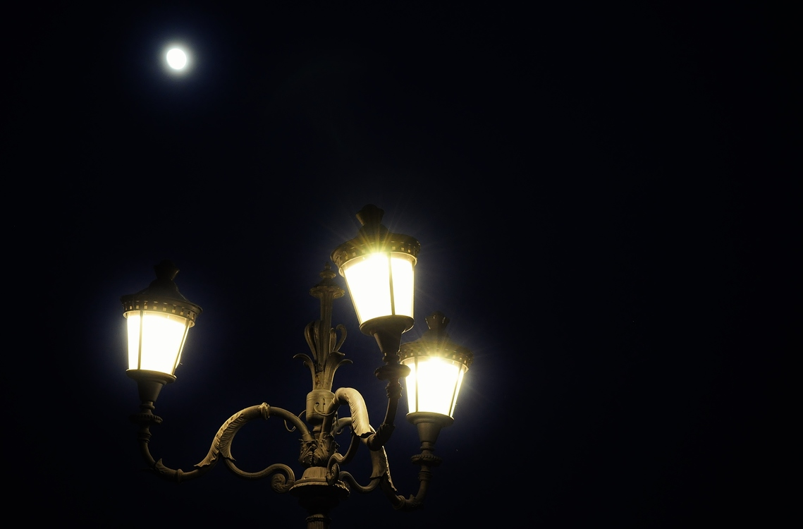 Street Light,Darkness,Light