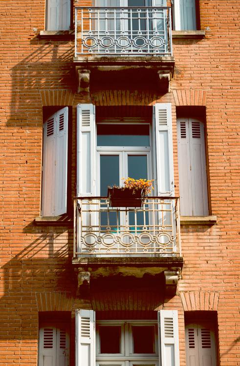 Building,Sash Window,Apartment