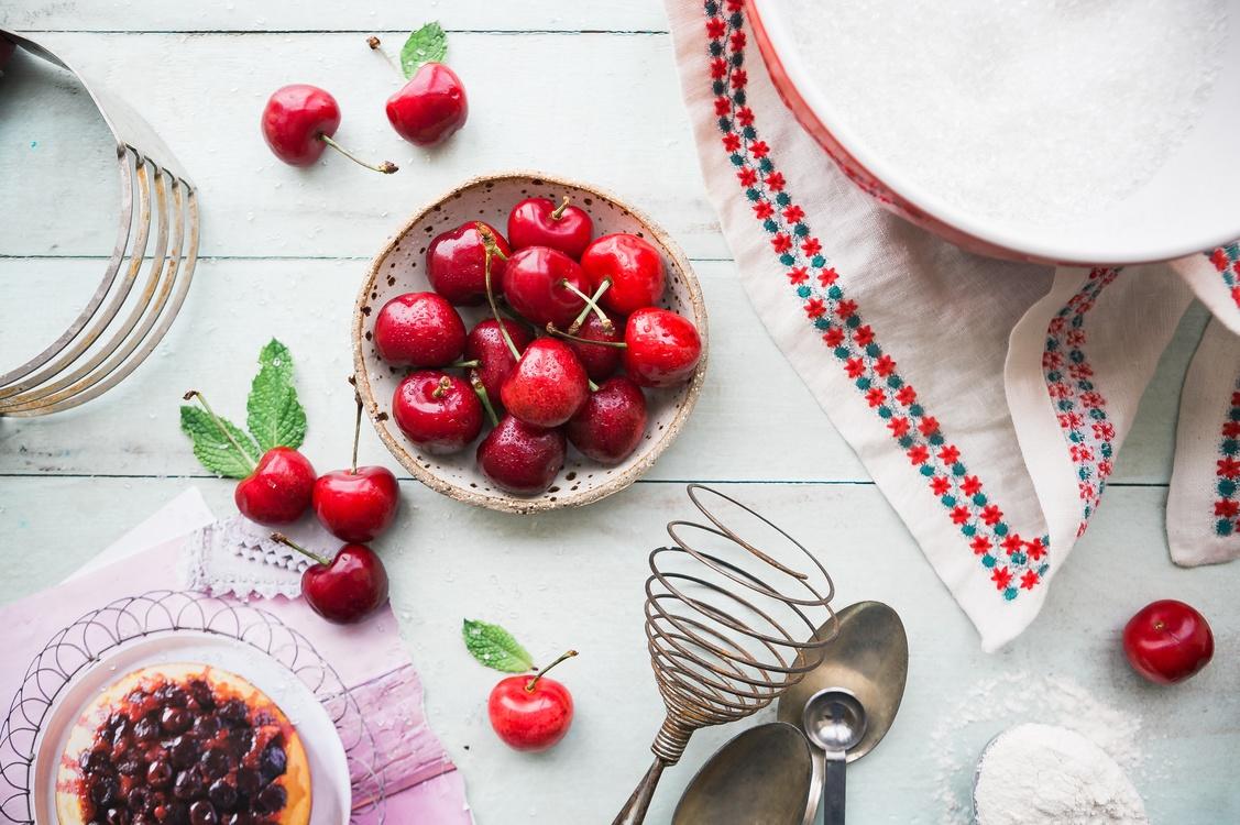 Panna Cotta,Whipped Cream,Strawberry