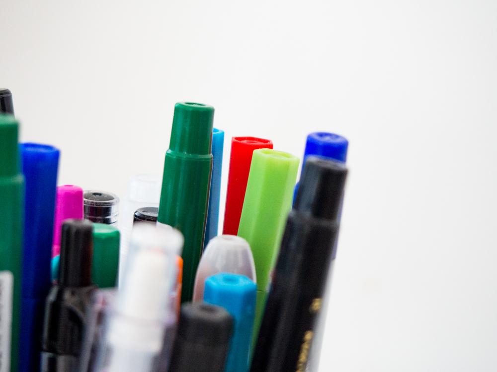 Plastic Bottle,Pen,Bottle