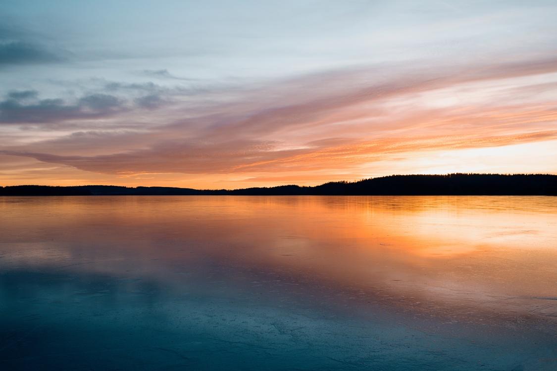 Atmosphere,Reservoir,Red Sky At Morning