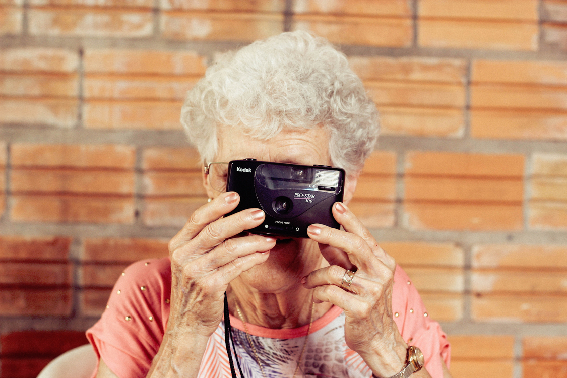 Girl,Camera,Old Age
