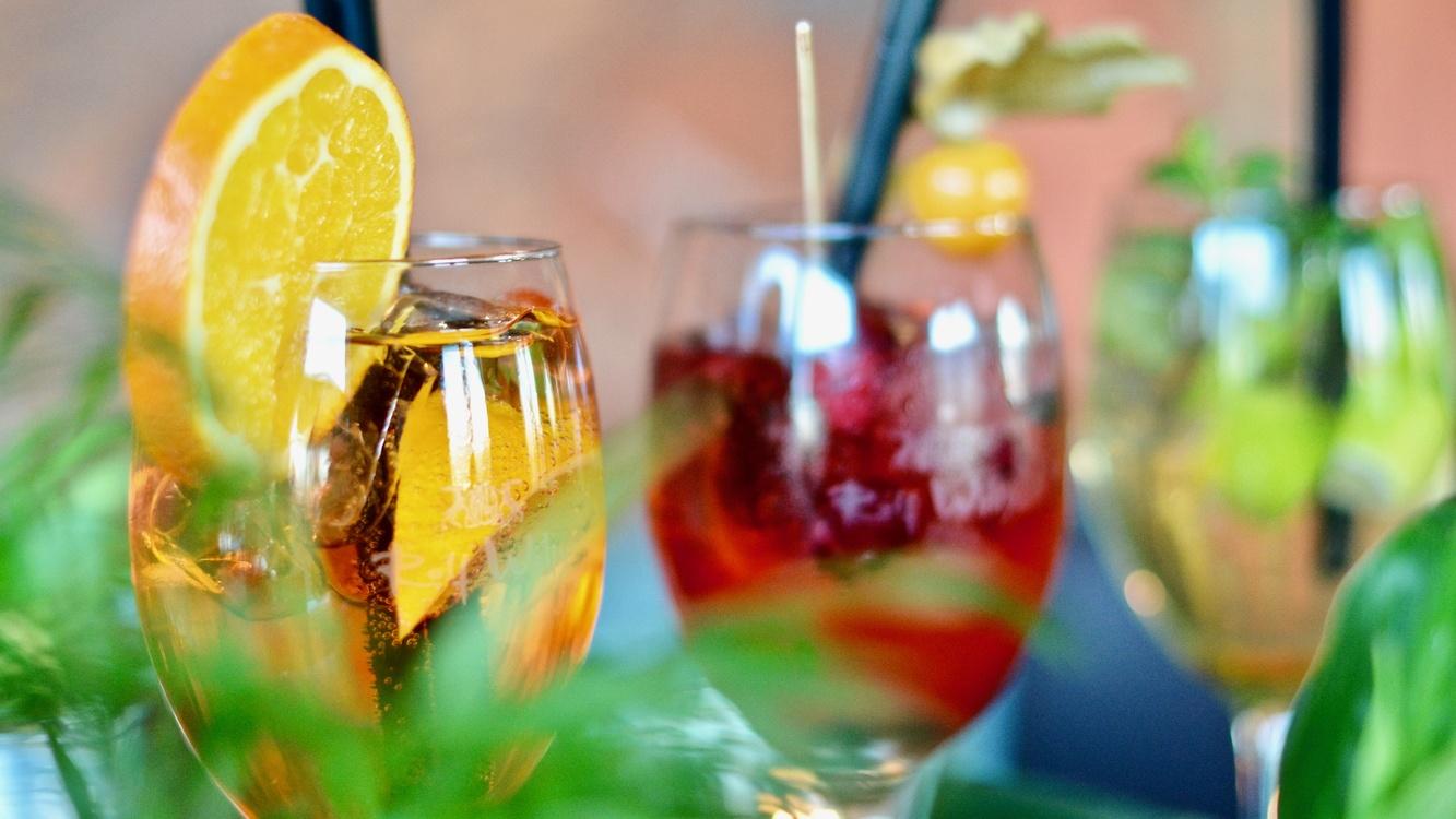 Non Alcoholic Beverage,Cocktail,Liqueur
