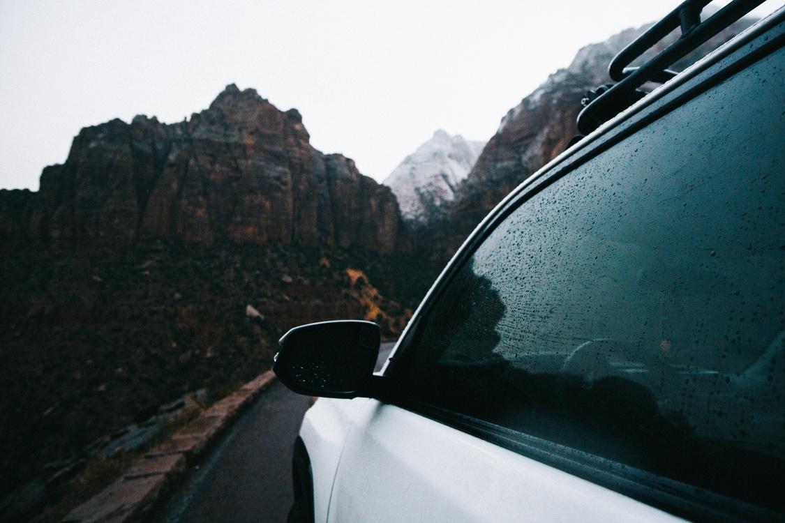Family Car,Road Trip,Luxury Vehicle