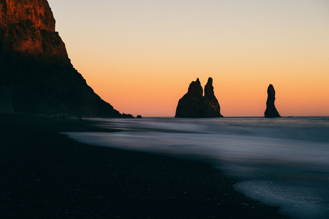 Reynisdrangar Iceland Our life is frittered away by detail... simplify, simplify. Action expresses priorities. Desktop Wallpaper