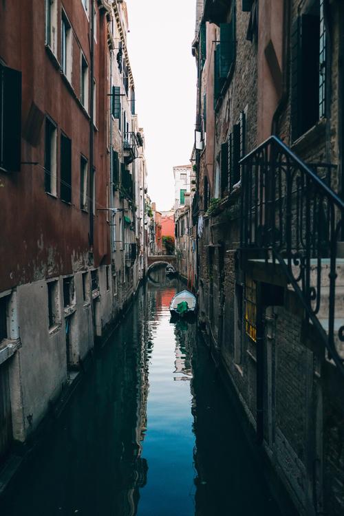 Canal,Town,Metropolis