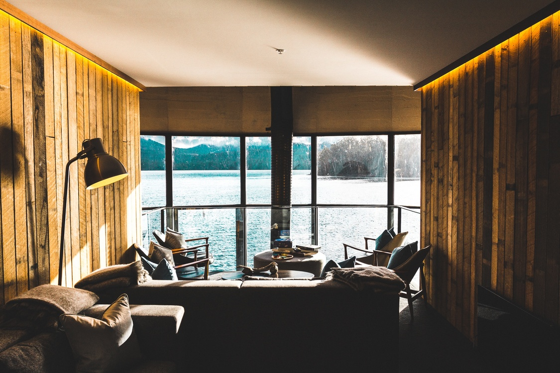 Ceiling,Room,Window Treatment