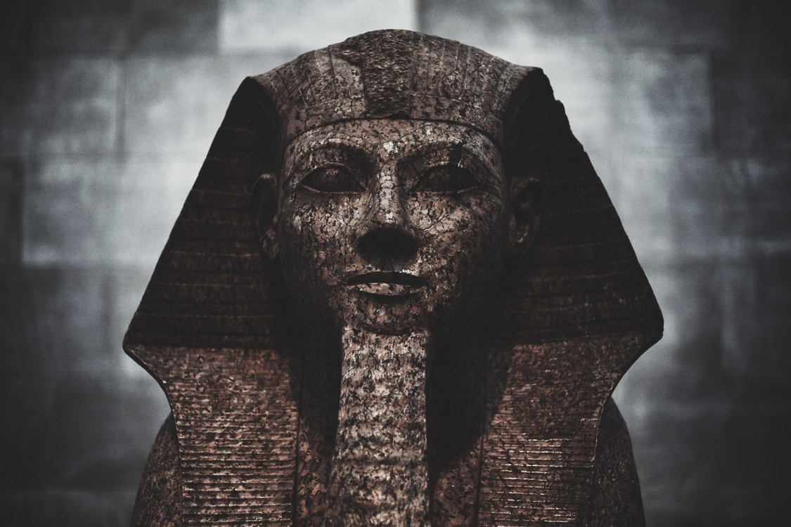 Archaeological Site,Head,Darkness