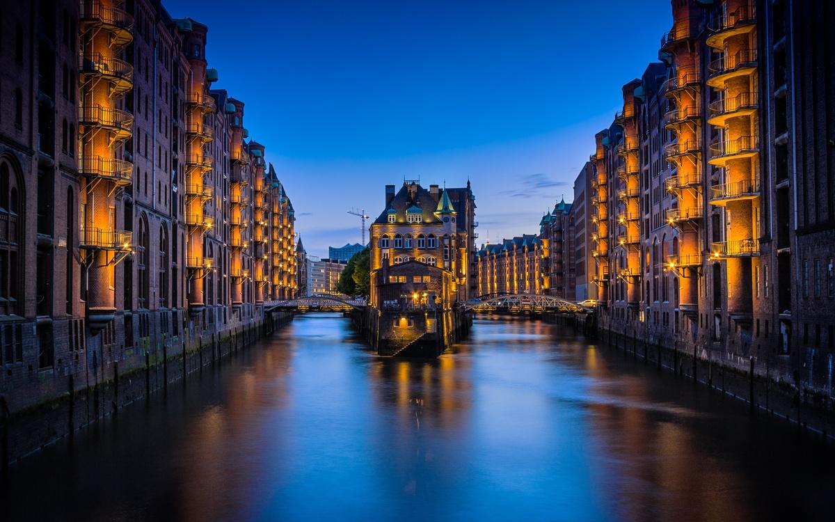 Canal,City,Metropolis