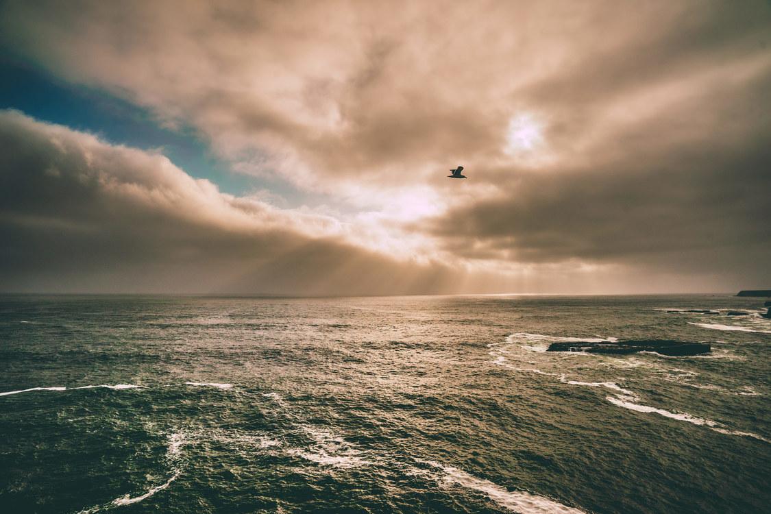 Coastal And Oceanic Landforms,Water,Atmosphere