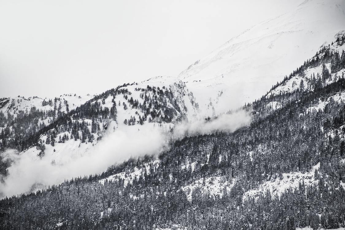 Mountain,Monochrome,Mountain Range