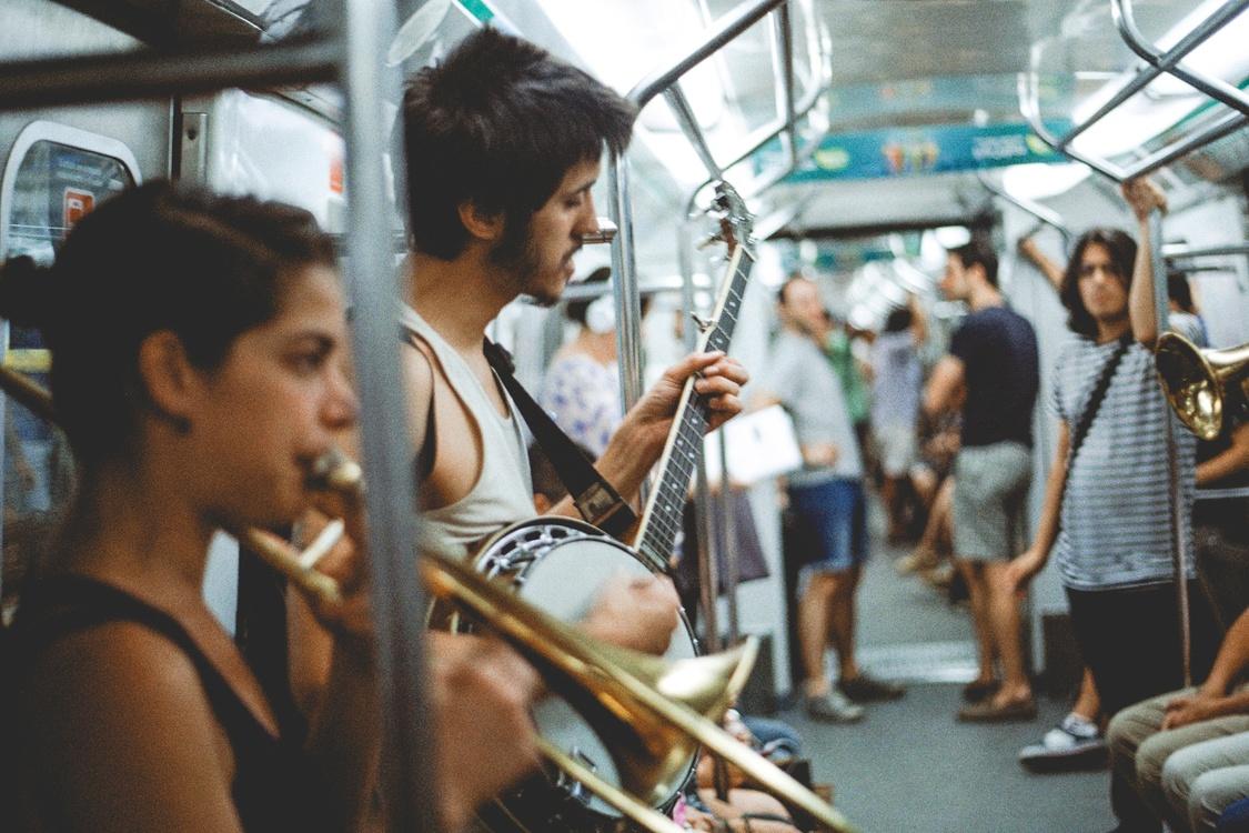 Musical Instrument,Crowd,Musician