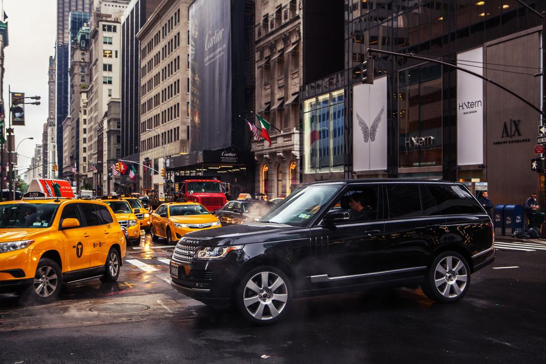 Family Car,Luxury Vehicle,Street