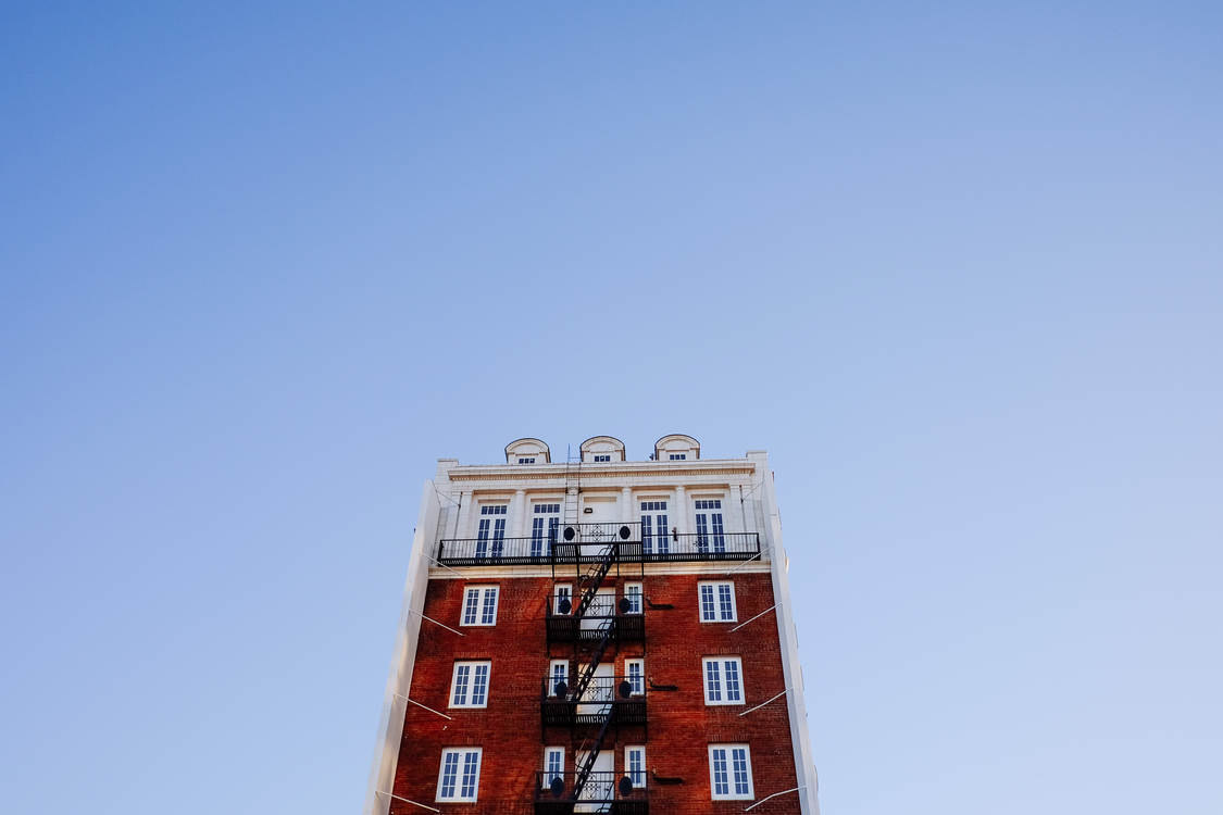 Building,Sky,Daytime