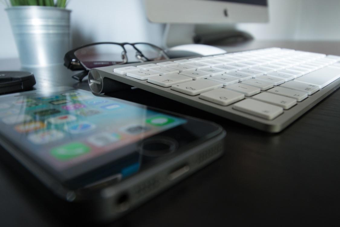 Smartphone,Laptop,Space Bar